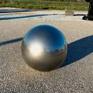 Nouvelle boule 50 cm chrome résine